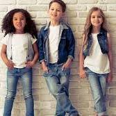 moda dziecięca i dla młodzieży szkolnej